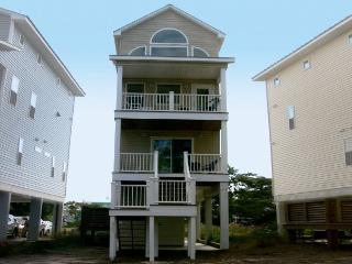 Waterfront Home - walk to Beach, Shops and Dining, St. George Island
