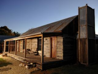 1860 Luxury Accommodation, for couples, Beechworth