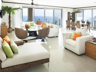 Nicest Condo in Jaco! 4 bedr. penthouse 7th floor
