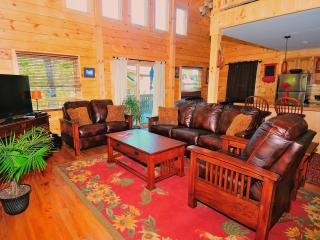 Beautiful New Log House - 4 bedrooms sleeps 10-12, Lake Placid