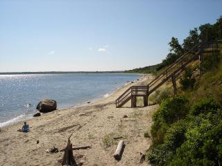 Local beach along Gardiner's Bay and Cedar Point Park