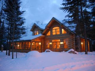Fiddler Lake Resort: Bear Trail chalet 3 bedrooms - Saint Sauveur des Monts vacation rentals