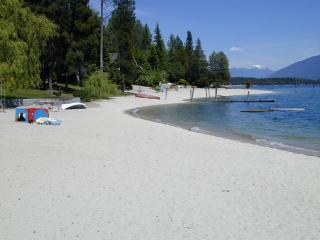Awesome Beachfront Home on Kootenay Lake,Nelson BC