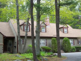 Spacious 4 bedroom Townhouse located in Ogunquit