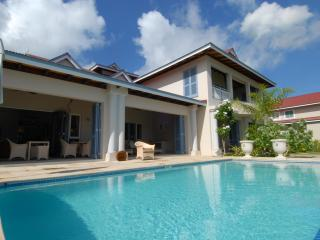 Eden Island Rental luxury ocean front villa pool
