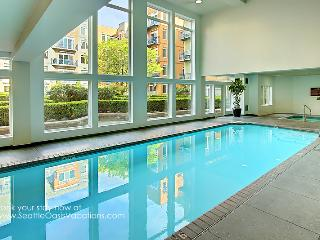 2 Bedroom Harbor and City View Oasis, Seattle