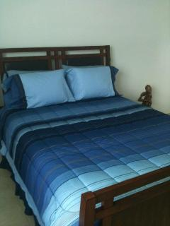 Master bedroom with confortable beds!!