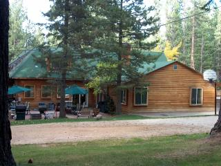 Tahoe Large Group Vacation Rental Lodge for 30-80, South Lake Tahoe
