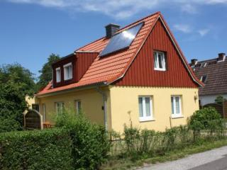 Vacation Apartment in Kiel - 291 sqft, central, comfortable, ecological (# 2296)