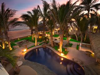 Beachfront Villa: Private Chef, Spa, sleeps 18, San Jose del Cabo