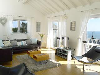 Pet Friendly Holiday Home - Nantucket, Freshwater East