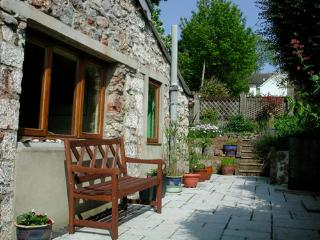 Holiday Cottage - Swiss Cottage, Tenby