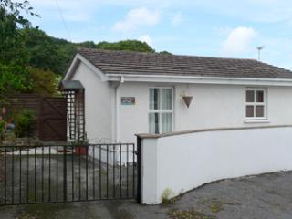 Pet Friendly Holiday Cottage - Moorings Cottages, St Dogmaels - Saint Dogmaels vacation rentals