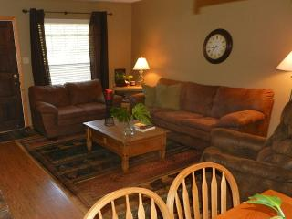 4 nt. $499! Next to Ski Lift, Balcony, Slope View!, Red River