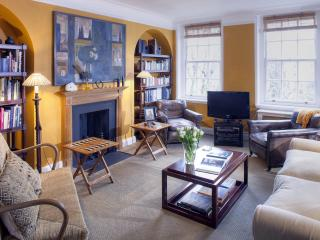 South Kensington/Chelsea Luxury Two Bedroom - London vacation rentals