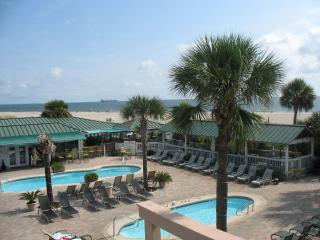 3 BR Condo, 3 Pools, Hot Tub, Oceanfront Complex - Tybee Island vacation rentals