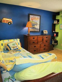 Another fun bedroom - twin and trundle