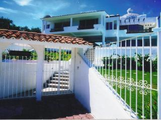 huatulco,mx.-- 4 suite ocean view villa with staff, Huatulco