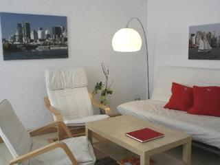 Vacation Apartment in Leipzig - 614 sqft, comfortable, free WIFI available (# 2318)