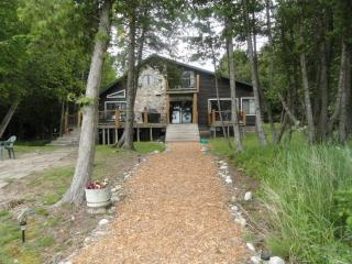 Beautiful 5 Bedroom 3 bath log home on Lake Huron - Hessel vacation rentals