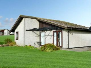 23 LAIGH ISLE, pet friendly, with a garden in Isle Of Whithorn, Ref 11400