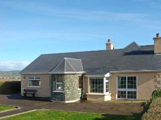 PATTY'S, pet friendly, with a garden in Portmagee, County Kerry, Ref 12155