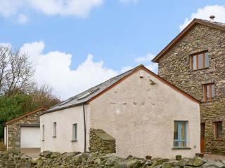 ELLER RIGGS COTTAGE, family friendly, country holiday cottage, with a garden in Ulverston, Ref 7004