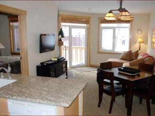 SUNSTONE LODGE Luxury Slopeside 2 bedroom 2 Bath, Mammoth Lakes