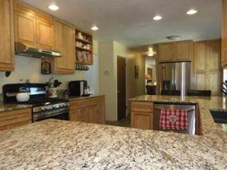 Beautifully Furnished 5 Bedroom Dollar Point Home, Tahoe City