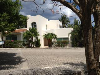 Front of Casa Caracol
