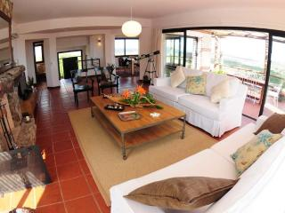 Luxury 2 or 3 bed Ocean View Villa 5 Min fr. Beach, Piriapolis
