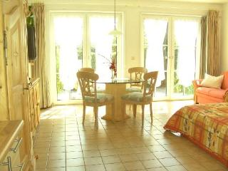 Vacation Apartment in Schwerin - 377 sqft, a perfect base to discover the northern part of Germany (#… - Schwerin vacation rentals