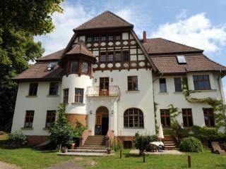 Vacation Apartment in Weitendorf - 1292 sqft, comfortable, large yard on the river, woodstove (# 2343), Parchim