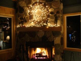 Gorgeous 4-Bedroom Home Near Ski Hill & Everything, Marquette