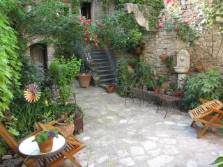 A  Charming Place in Provence - Alton vacation rentals