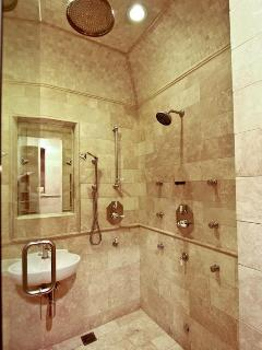 Grand Tuscan Shower