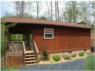 Evenstar Cabin With Beautiful Mountain Views, Franklin