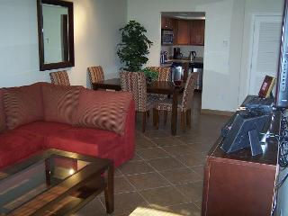 Just Rennovated 1 Bedroom/Den with Stunning Golf Course Views - Tucson vacation rentals