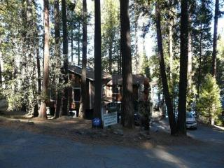Beautiful Lakefront Home-Pool Table-Paddle Boat, Groveland