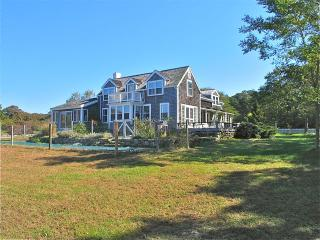 Farm House in Menemsha with North Shore Views! (Farm-House-in-Menemsha-with-North-Shore-Views!-CH233), Chilmark