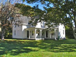 Captain's House In West Tisbury! (Captain's-House-In-West-Tisbury!-WT136)