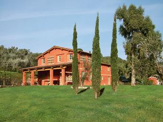 Farmhouse Near the Tuscan Coast with a Jacuzzi and a Private Pool - Villa San Martino - Paris vacation rentals