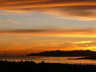 Luxe East Bay Home - spectacular views of S F Bay, Berkeley