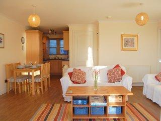 Luxury sea view apartment with patio Pittenweem - Fife & Saint Andrews vacation rentals