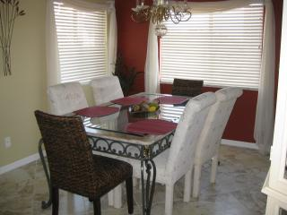 Casa Marina, 2/2, updated and clean!!, Fort Myers Beach