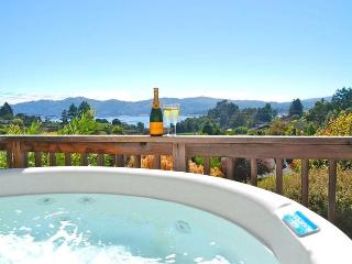 Tiburon Luxury View 4br w/Hot Tub, outdoor kitchen - Ko Olina Beach vacation rentals
