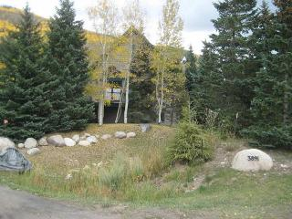 The Ledges #A 3 bed 3.5 bath remodeled single family home in East Vail