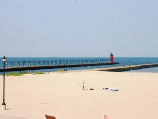 22 Lakeshore Dr - Summer rentals begin or end on Saturdays., South Haven
