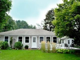 Eaton Park House - Beautiful pet friendly vacation home in South Haven. - Summer rentals begin or end on Saturdays.