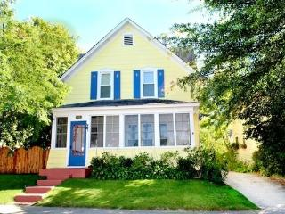 Driftwood Manor - Summer rentals begin or end on Saturdays., South Haven